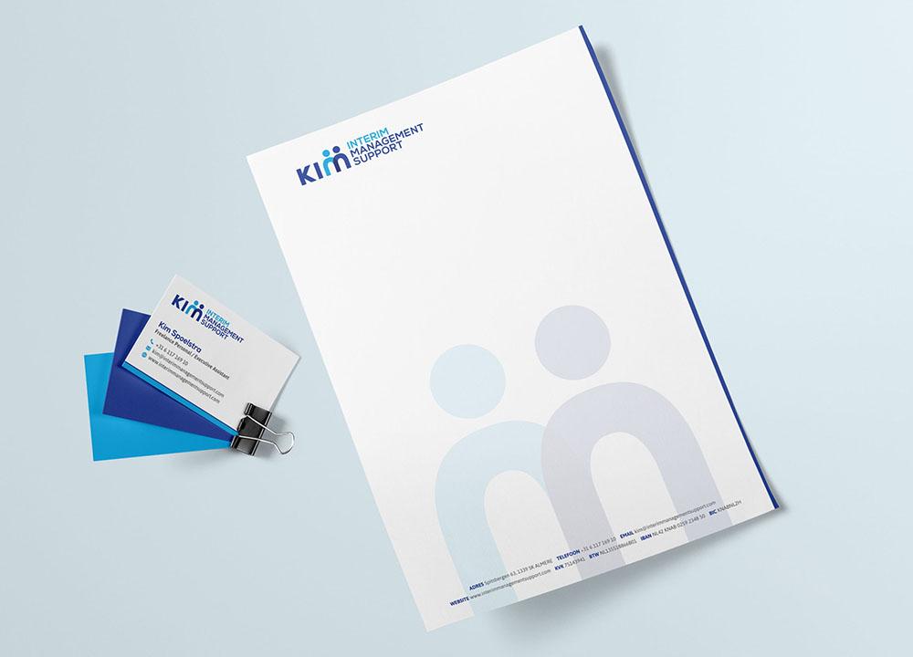 Visitekaartje en briefpapier ontwerp van Kim Interim Management Support